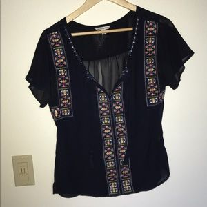 Navy short sleeved shirt